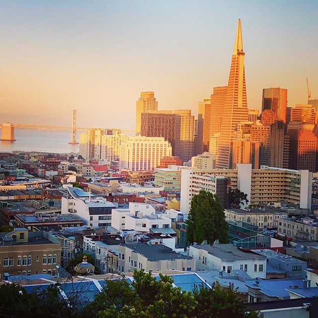 And sometimes it's worth the hike up. #sanfrancisco #citybythebay #sanfranciscolife #dusk #iphonephoto #skyline #leftmyheartinsanfrancisco #realestatelife #goldenhour #onlyinsanfrancisco #baybridge