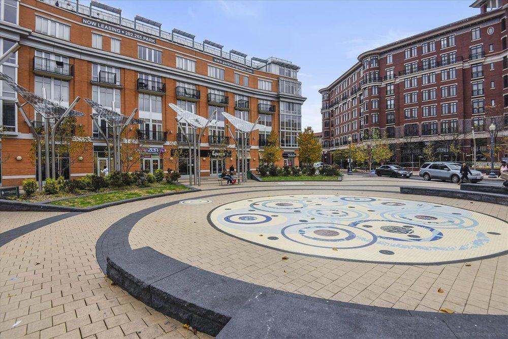 Amenity-Columbia Heights Plaza-DSC0888.JPG