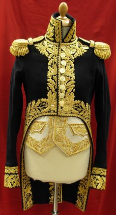 Will the Commander-in-Chief's new uniform have gold-braided epaulettes? -