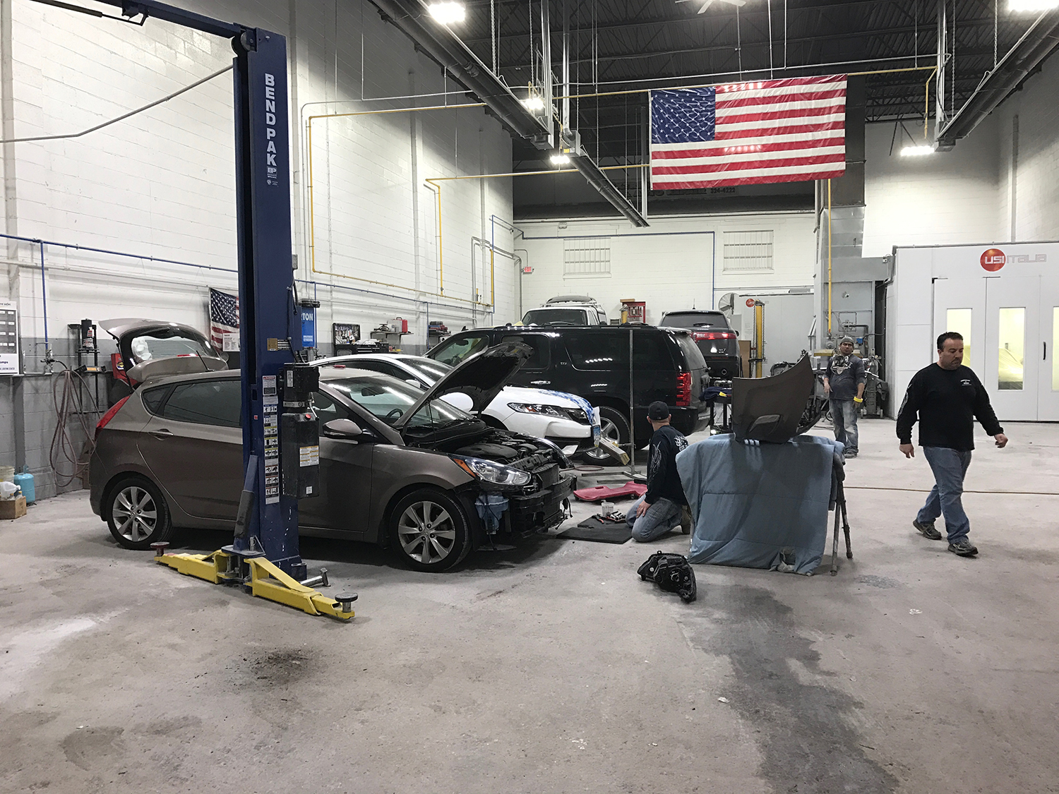 Are you in need of auto collision/repair or a tow service in the Stamford,  CT area? Call Extreme Auto Body & Auto Repair today!