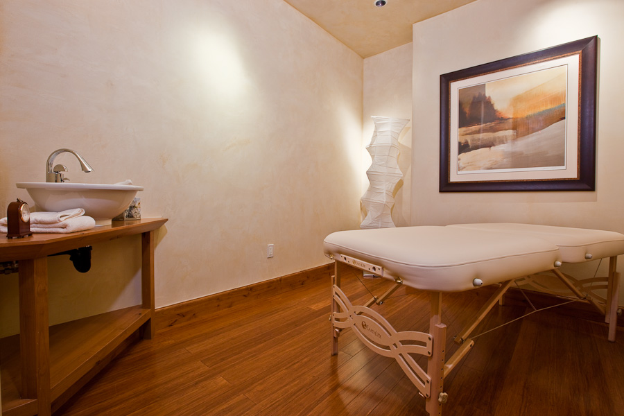 AutumnRidgeMassageTherapyRoom.jpg