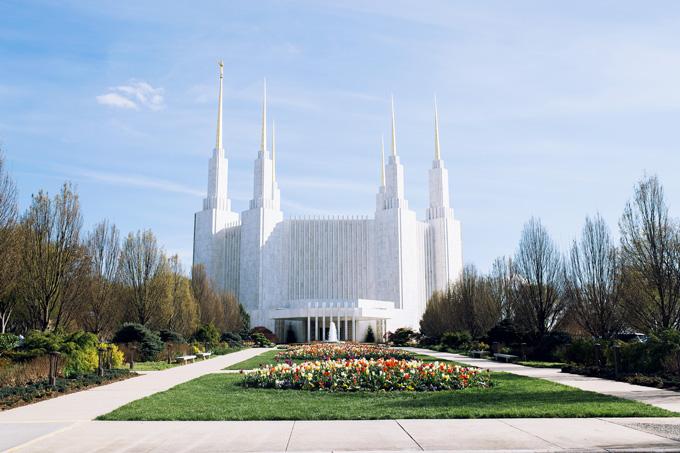 DC-Temple-in-Spring.jpg