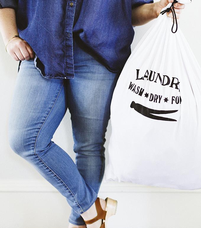 DIY-Travel-Laundry-Bag.jpg