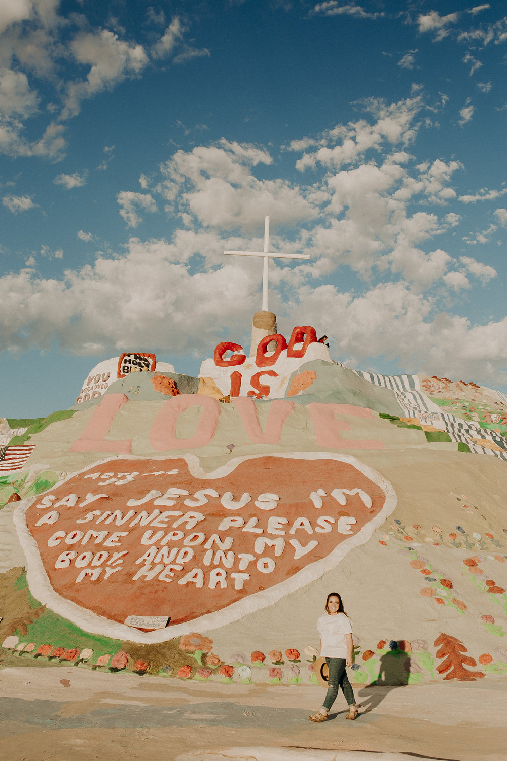 Salvation-Mountain-California-11.jpg