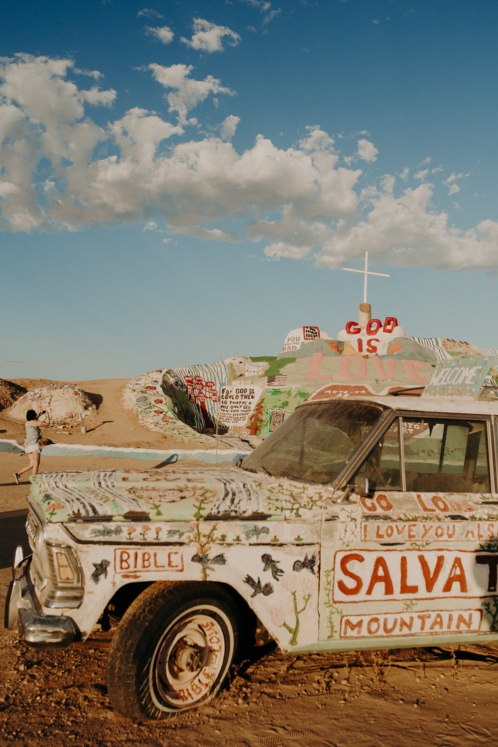 Salvation-Mountain-California-15.jpg