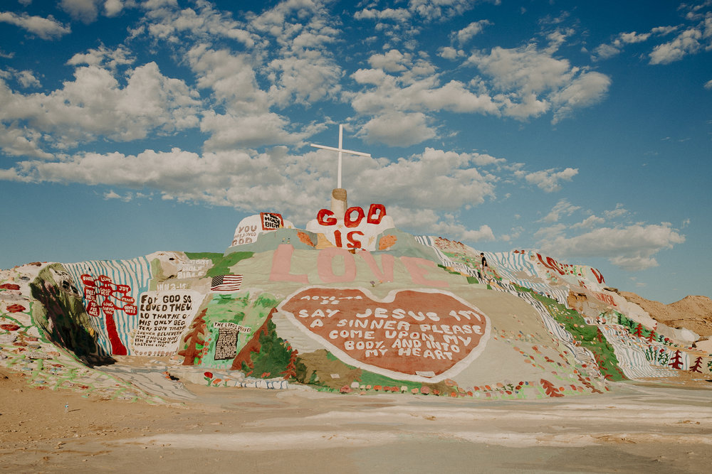 Salvation-Mountain-California.jpg