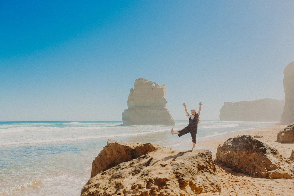 great-ocean-road-australia-twelve-apostles-9.jpg