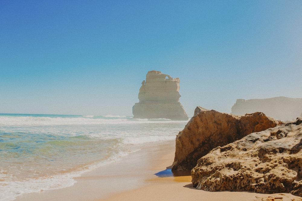 great-ocean-road-australia-twelve-apostles-11.jpg
