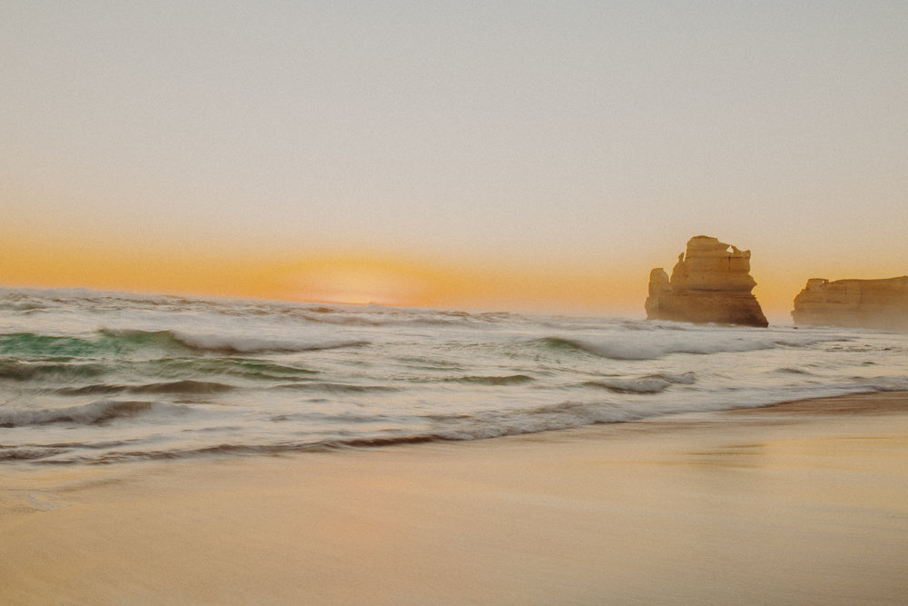 great-ocean-road-australia-twelve-apostles-30.jpg