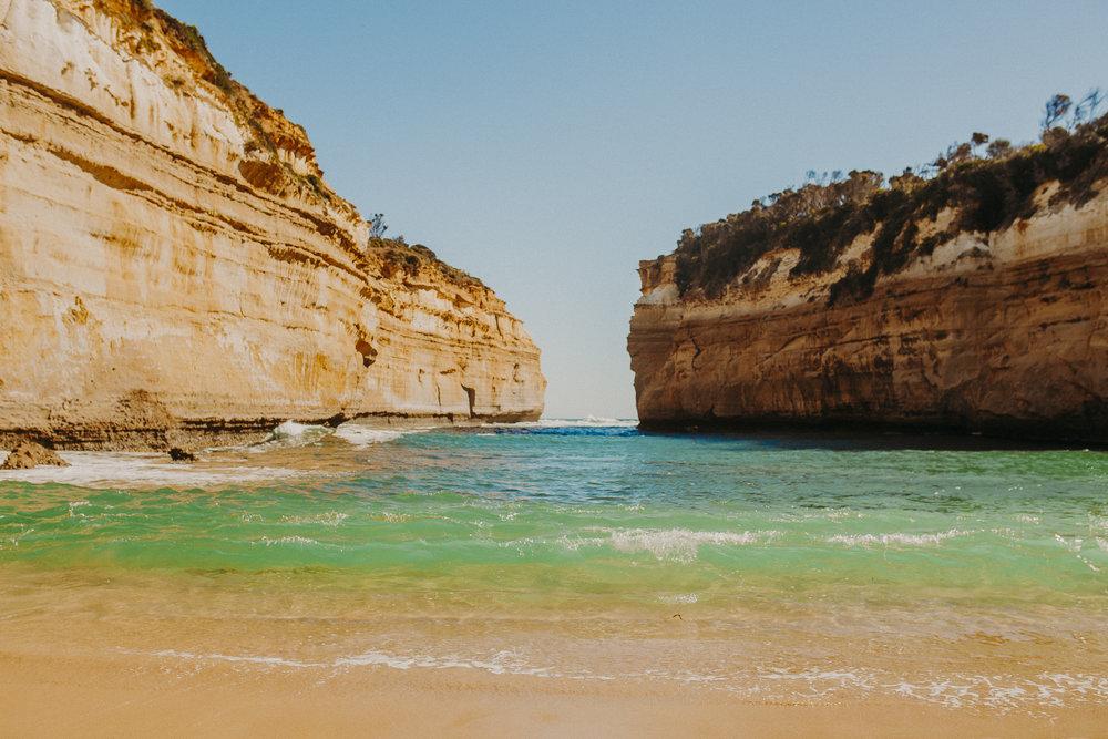 great-ocean-road-road-tripping-australia.jpg