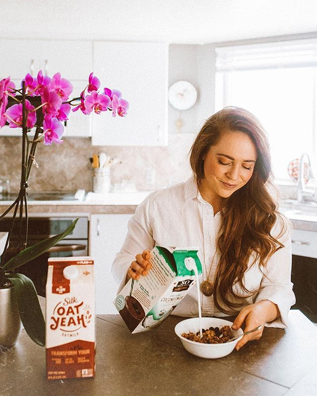 For the past few years I have been a dedicated So Delicious Coconut Milk drinker! 🥥 I love the flavor and versatility of coconut milk, and always have it stocked in my fridge. I seriously love it with cereal, but lately I've been craving oatmeal like crazy! 🥣 I like to make it using my @so_delicious Coconut Milk, fresh blueberries, and a drizzle of honey! 🍯 I like it served hot, but if I need to cool it down a little, I just add a bit more So Delicious Coconut Milk, and it's perfection! 🙌🏻 It's available at Target!  #ad #SDandSilkAtTarget #PlantBasedSwaps . . . . . . . . . #coconutmilk #breakfasttime🍴#plantbasedbreakfast #wellnessblogger #wellnessjourney #wellnesswins #wellnesswarrior