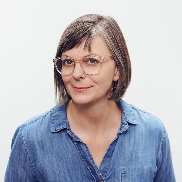 Lyn Jellison-->Atlanta Showroom Coordinator-->lyn@aestheticmovement.com