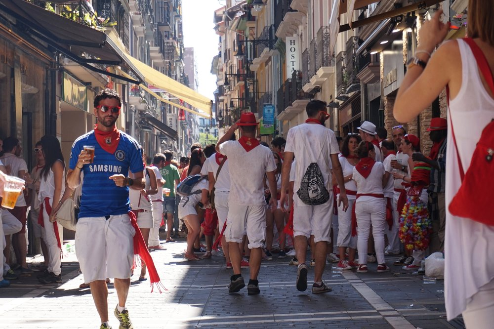 where to drink san fermin festival pamplona spain