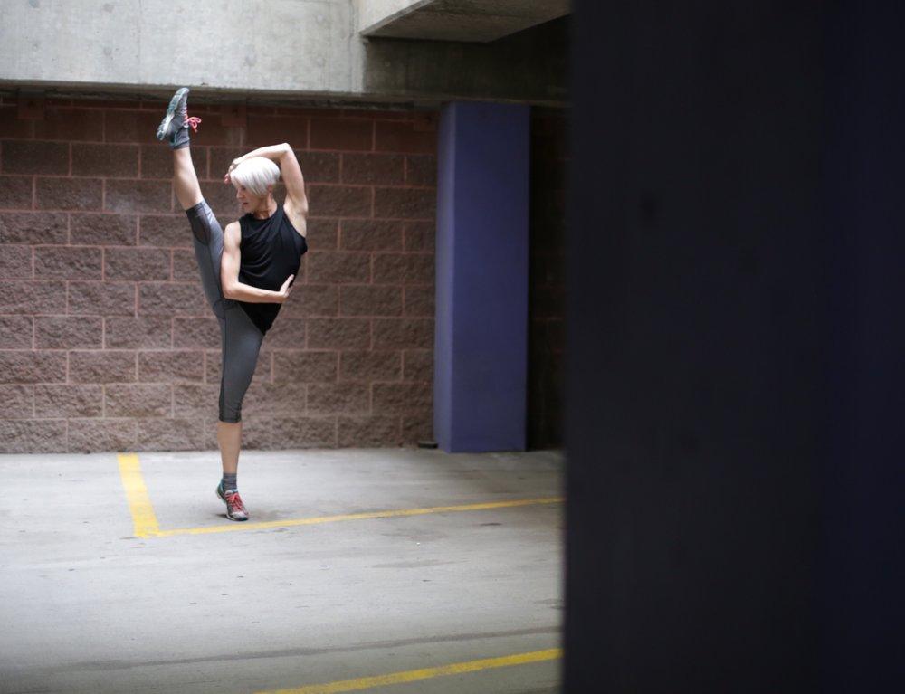 dancer-in-parking-garage_t20_4EZVmO.jpg