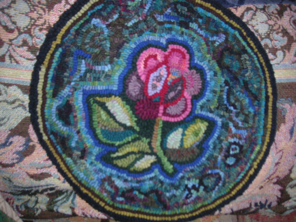 CHAIRPAD FLOWER PICT6850.SOLD JPG.JPG