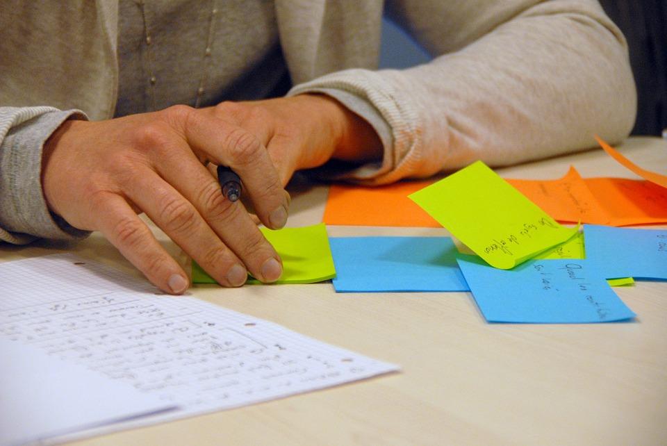 brainstorming-441010_960_720.jpg