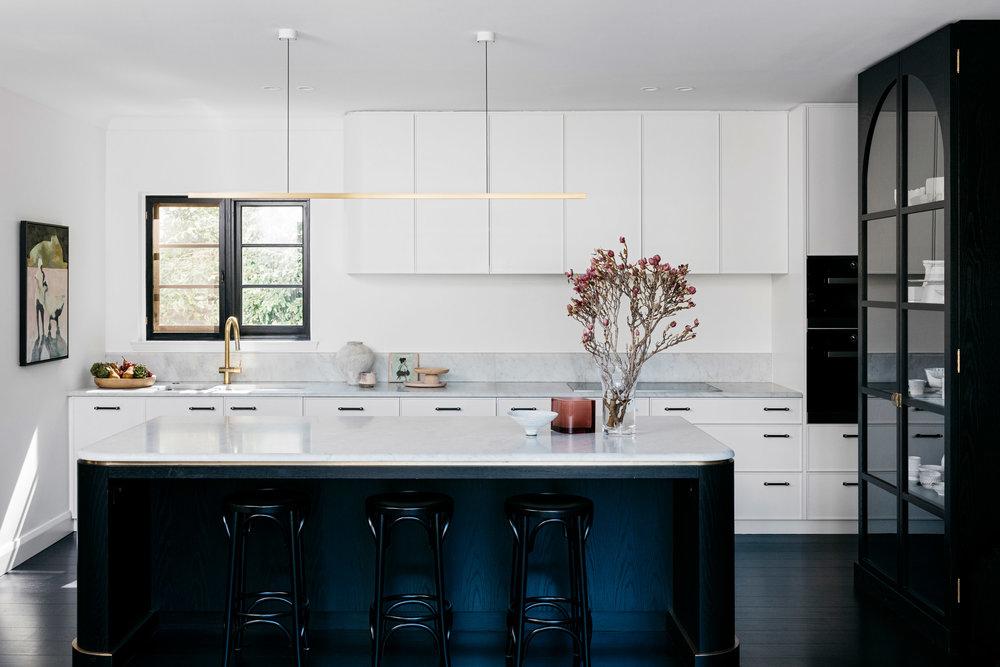 curatorial-house-arent-pyke-interiors-residential-australia-sydney_dezeen_2364_col_2.jpg