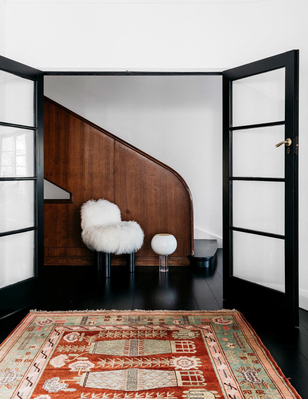 curatorial-house-arent-pyke-interiors-residential-australia-sydney_dezeen_2364_col_7.jpg