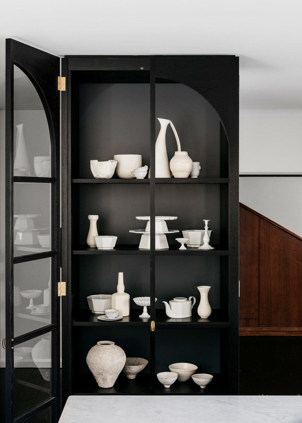 curatorial-house-arent-pyke-interiors-residential-australia-sydney_dezeen_2364_col_4.jpg