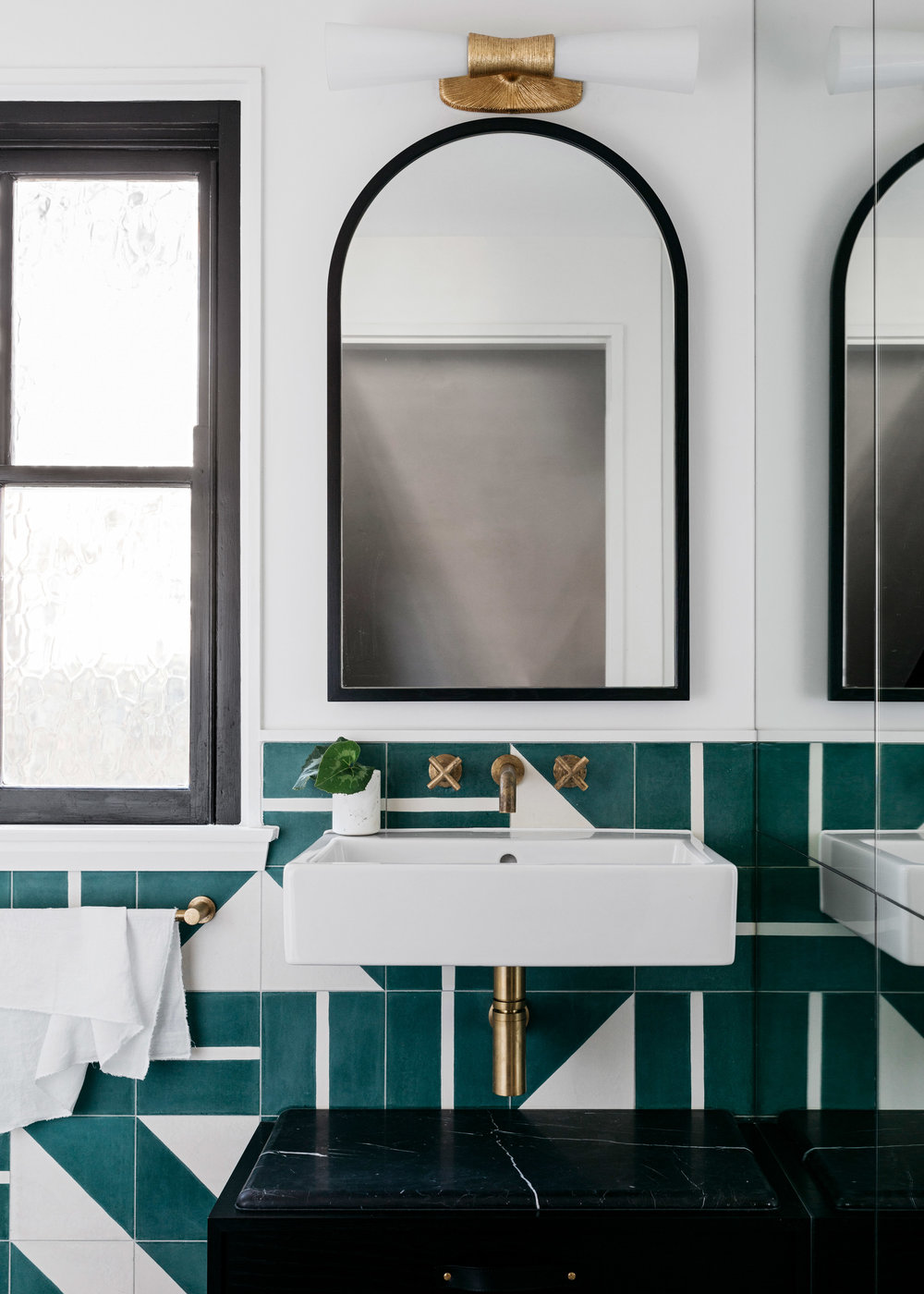 curatorial-house-arent-pyke-interiors-residential-australia-sydney_dezeen_2364_col_0.jpg