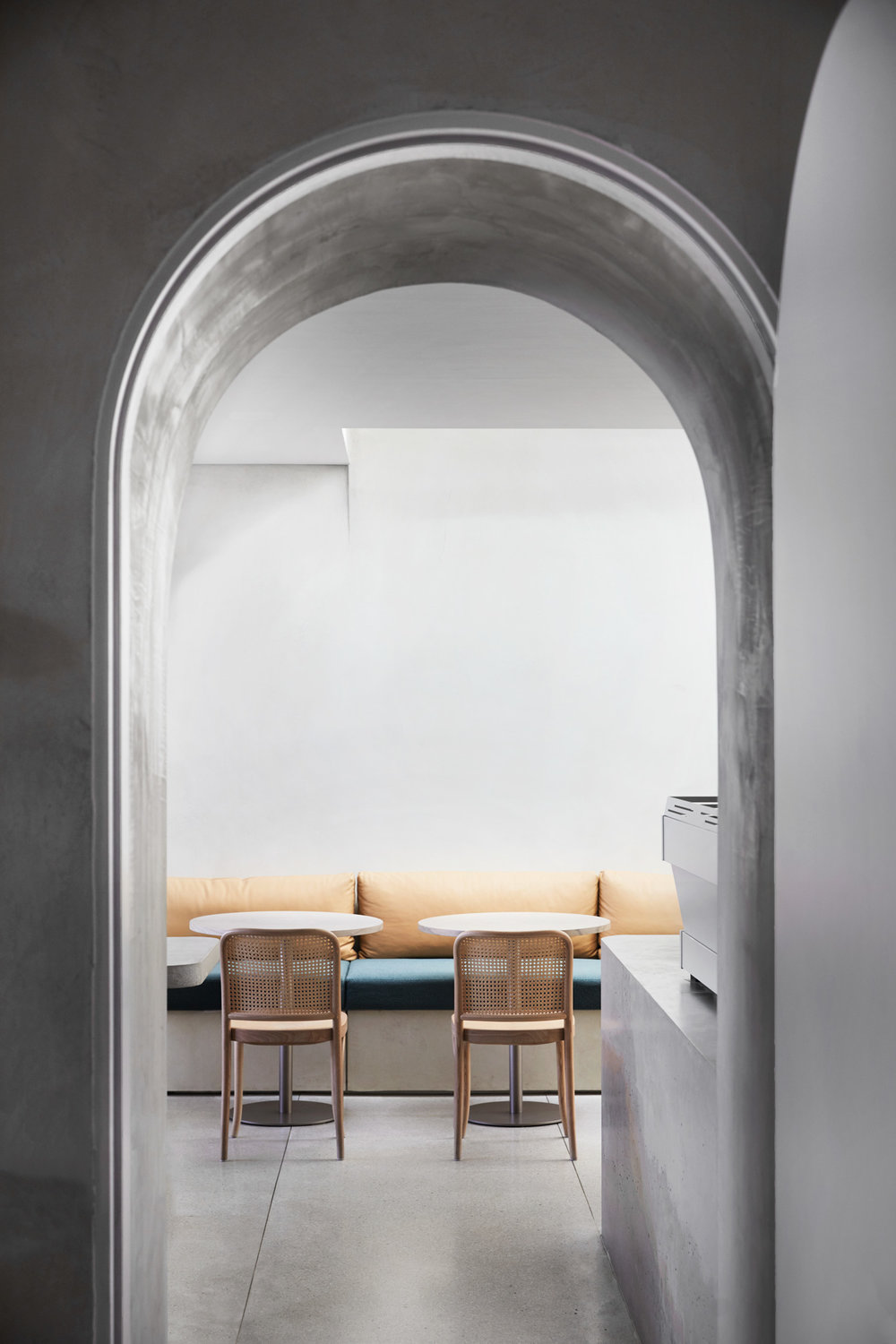 Willow-Urban-Retreat-in-Melbourne-by-Meme-Yellowtrace-13.jpg