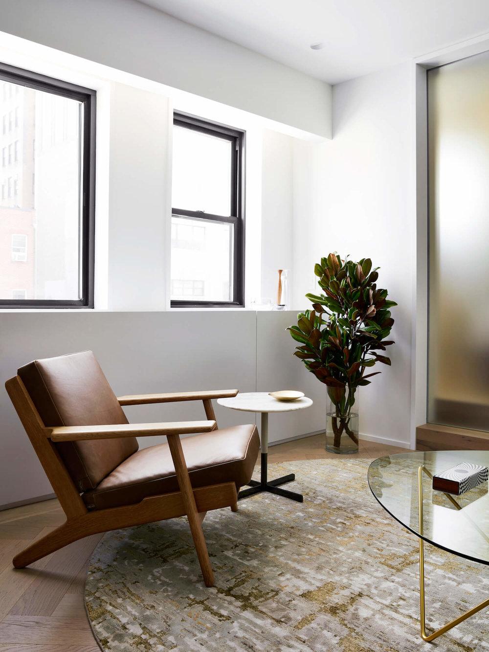 est-living-STADTArchitecture_Chelsea-Pied-a-Terre_Living-8.jpg