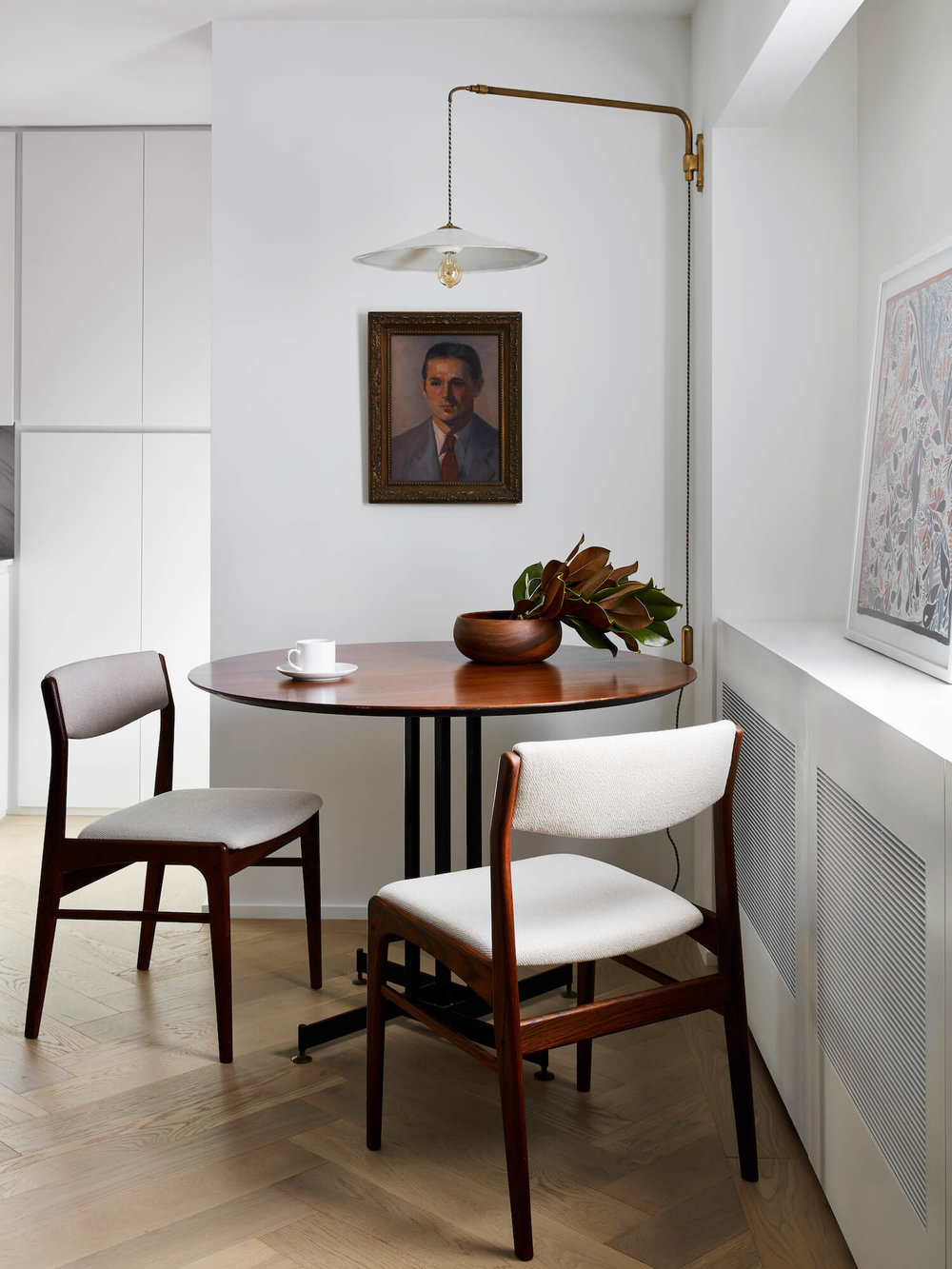 est-living-STADTArchitecture_Chelsea-Pied-a-Terre_Dining-4.jpg