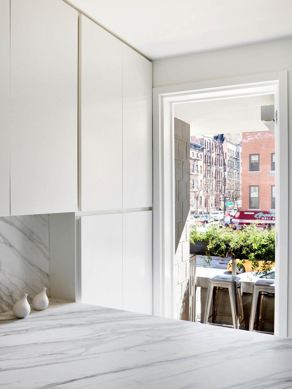 est-living-STADTArchitecture_Chelsea-Pied-a-Terre_Kitchen-7.jpg