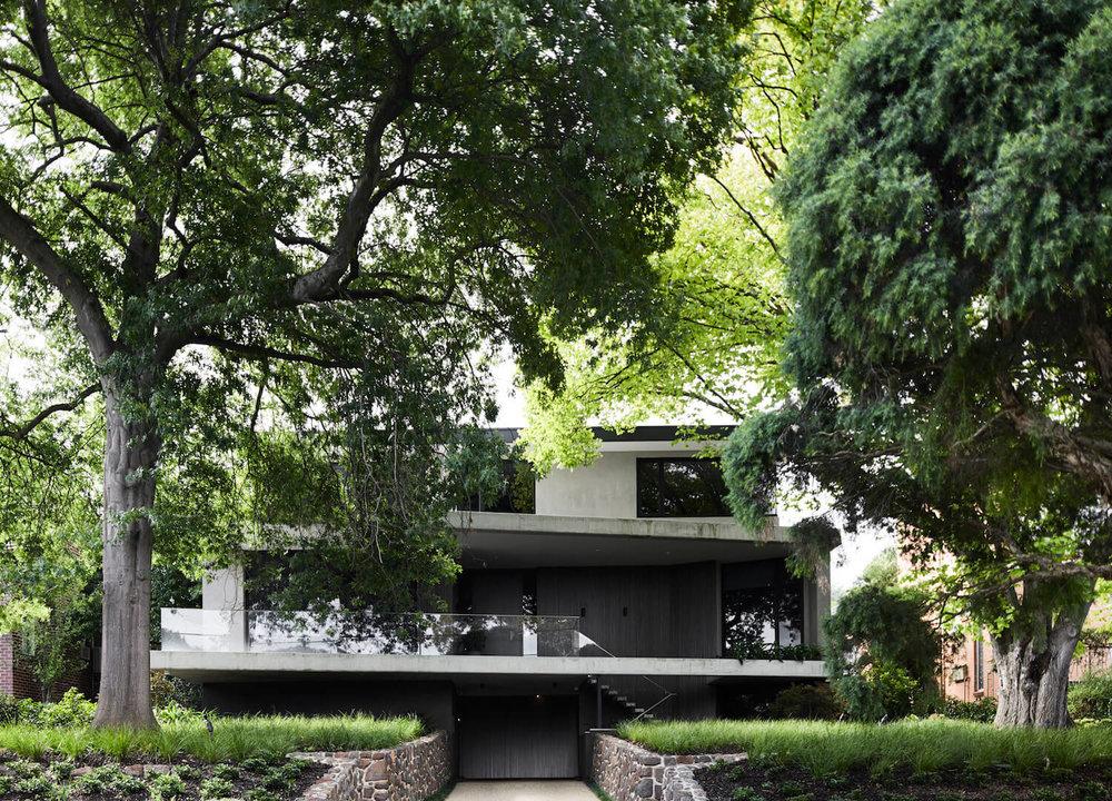 est-living-interiors-aap-residence-mim-design-3.jpg