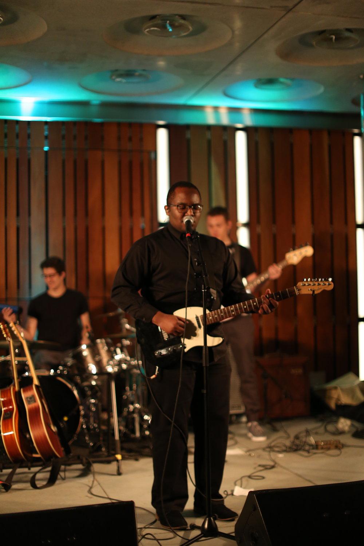 Serges Himbaza '17     Spotify