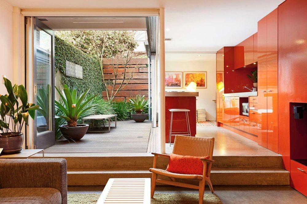 Seamless House by DJE