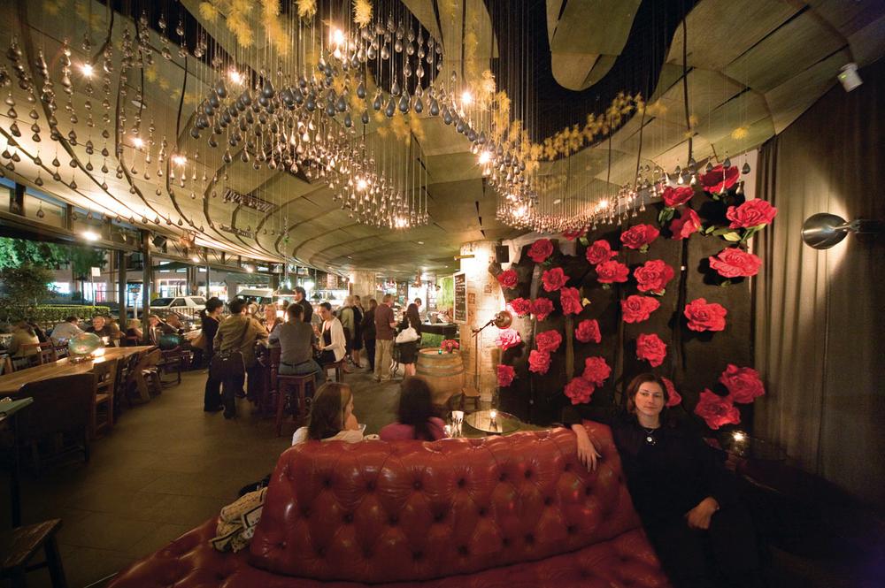 Gazebo Wine Bar by DJE