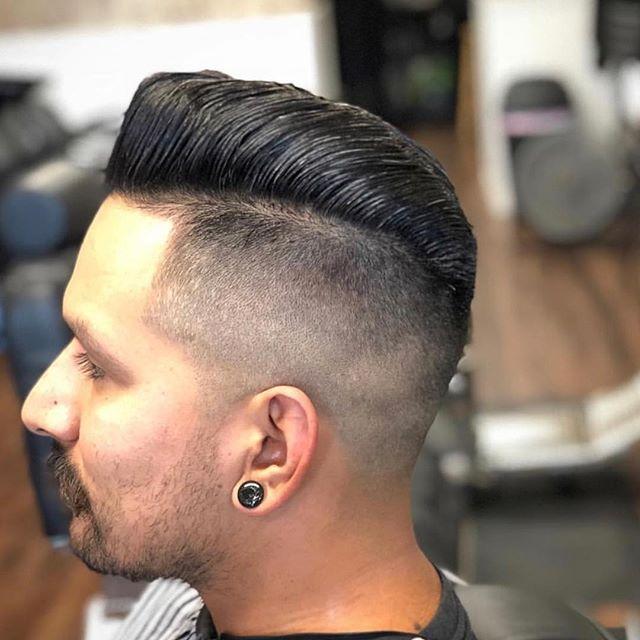 Hair by : @slick_thebarber  #murrietabarbershop #temeculabarbershop #temeculabarber #murrietabarber