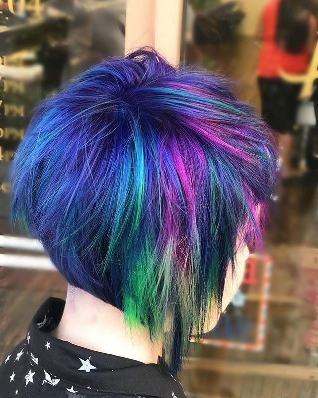 Color by🎨: @allbeauty_bykarli  Cut by: Rick  #colorfulhairdontcare #temeculahair #murrietahair #temeculastylist #murrietahairstylist