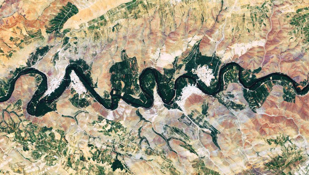 Iran - Isfahan - Zayandeh River.jpg