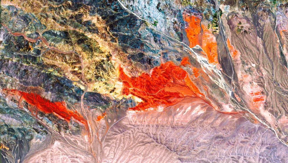 Iran - Kerman - Near Rageh Grand Canyon.jpg