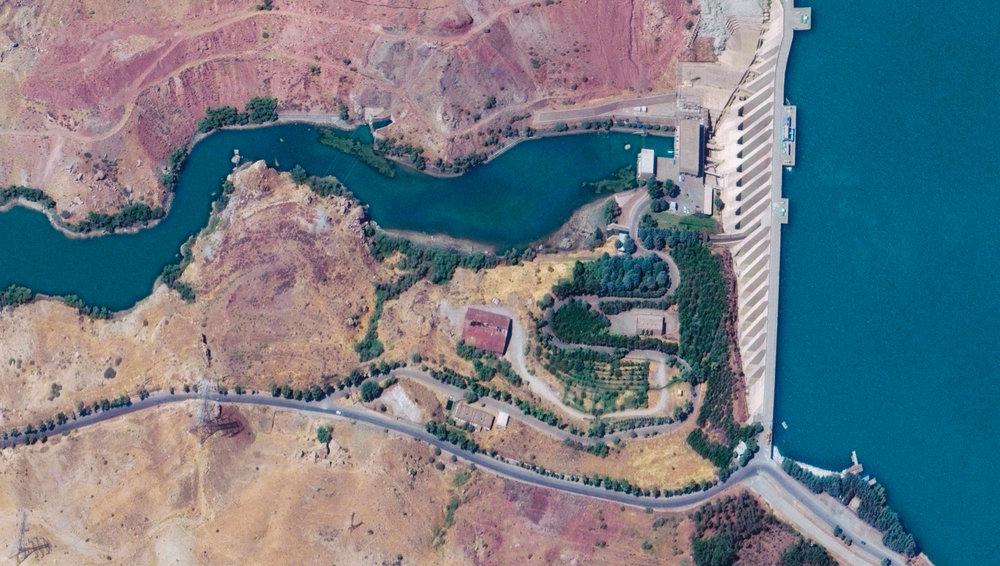 Iran - Latyan Dam.jpg