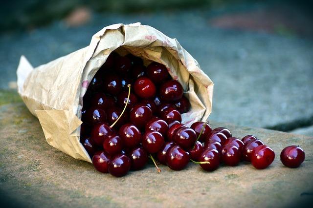 cherries-3522365_640.jpg