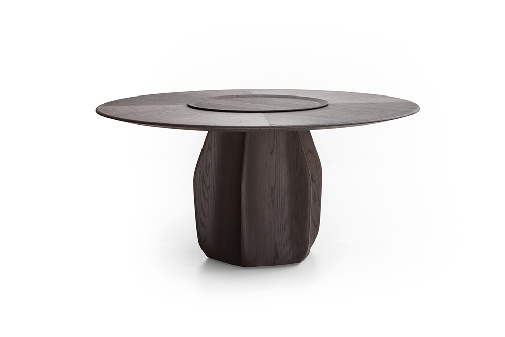 ASTERIAS Patricia Urquiola Asterias, a cactus that grows in the mountainous regions of Mexico, lends its name to this new design from Patricia Urquiola. A generously-sized round table, featuring a central base reminiscent of the cactus from which it takes its name.