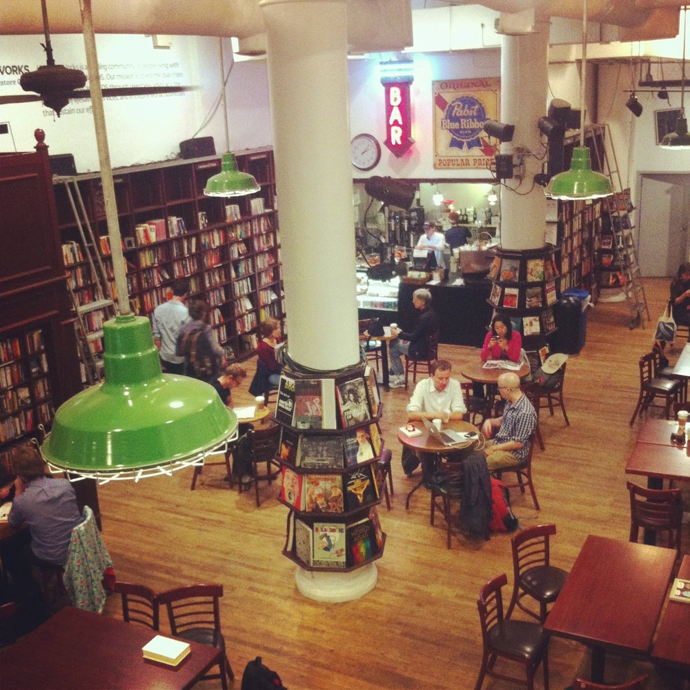 Housing Works Bookstore Cafe hoto: S.Cooper