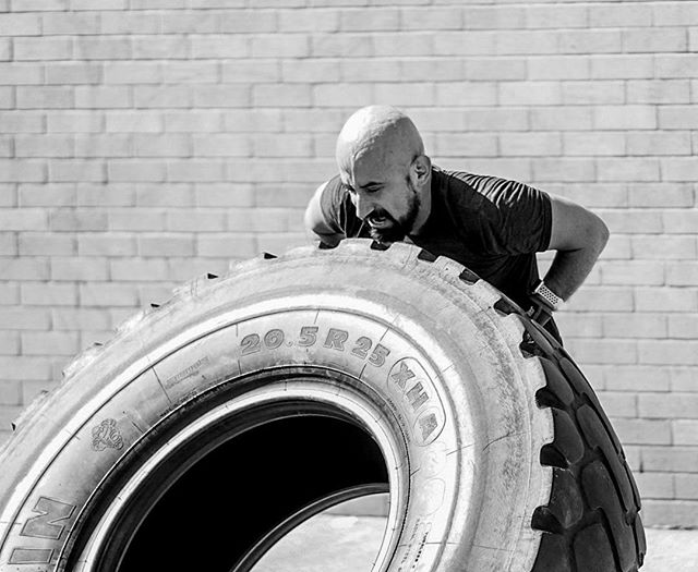 Guest photographer @dom14o and guest athlete me! 🙋🏼♂️ Had the best time flipping tires last weekend at @crossfitdutchkills