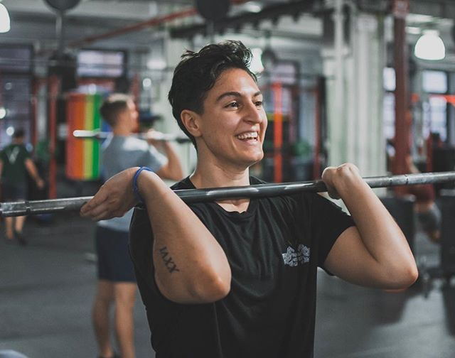 Weekends are for happy workouts -------------------------------------- -------------------------------------- 🏋️♀️ @yo__erikita 📦 @crossfit_nyc