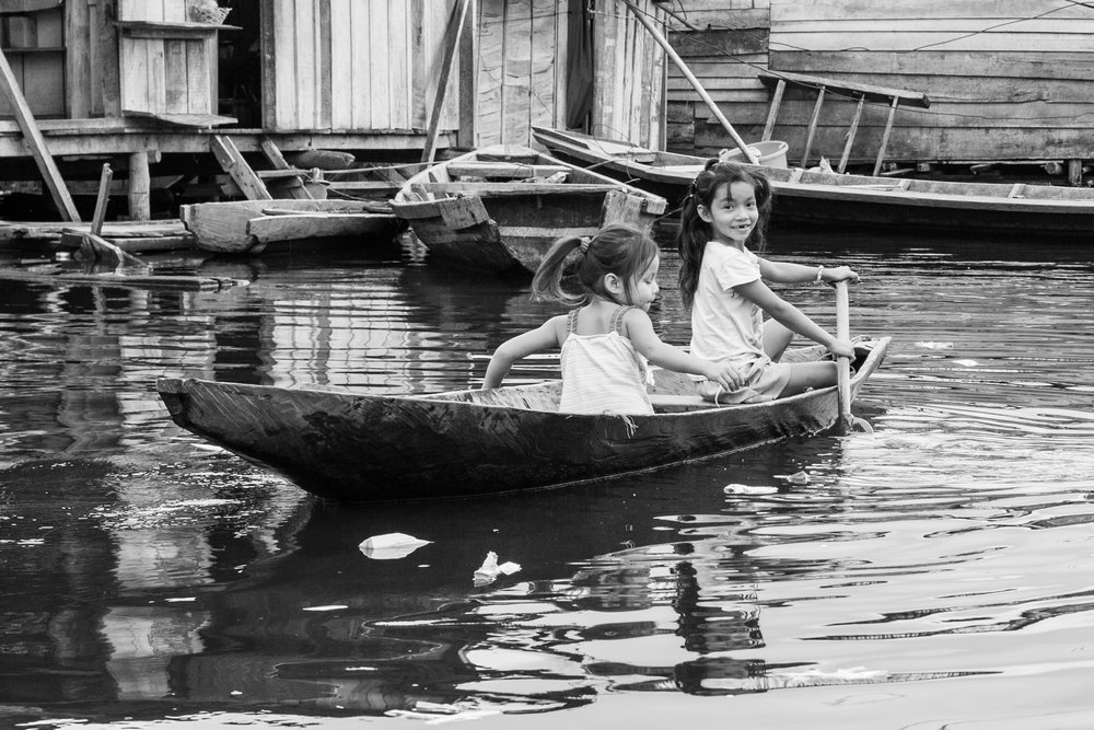 Girls_Boat_BW_crop.jpg
