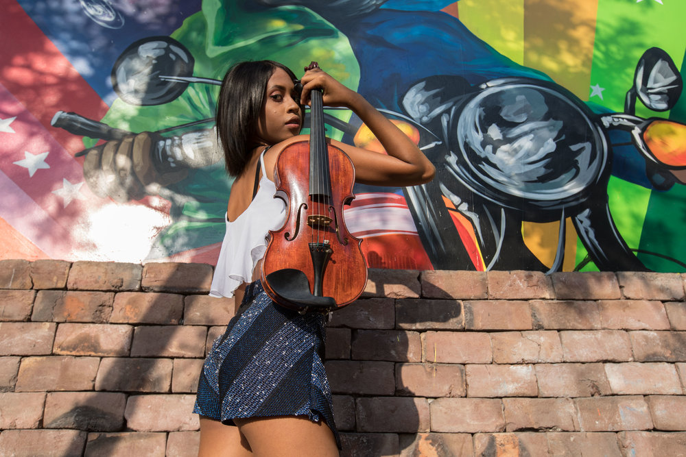 Photo shoot of Venezuelan Violin player Natalie Suito.
