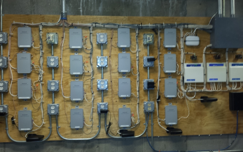 Internet accessible 16 Zone thermostat control board.jpg