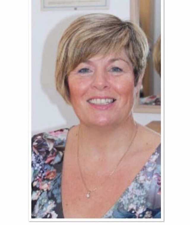 16th of June Eva is back 🙌🏼❤️ Tricologist We are pleased to announce the amazing Eva proudmen will be back to Northern hair loss  clinic soon! Appointments available  Having over 15 years of experience Eva proudmen is an expert in all hair and scalp conditions.  Eva's clients include children, women and men working with all types of hair. Consultation lasting about 45 minutes During this time Eva take a full background  history, lifestyle and dietary full examination of hair and scalp a diagnosis, prognosis and treatment options discussed.  Call to book now ☎️ 01422747404 🏠 Ingfield Enterprise Centre Cherry Nook Road  Huddersfield HD21JD 📧info@northernhairlossclinic.co.uk  #northernhairlossclinic  #evaproudman  #hairspecialist #trichologist  #hairinrecovery #volumizer  #weareheretohelp #ukhairspecialists #totalhairlosssolutions #chemotherapy #highlytrainededucators #extensioncourse #alopecia #banburypostiche #raptureextensions #therealhaircompany #integrationsystem #heretohelp #thebeautifultruth #huddersfield #london #uk #leeds #kuwait #dubai #ripponden