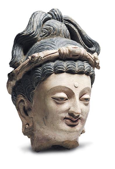 Gandharan Bodhisattva Maitreya, 4th century AD. Once Milan market, Renzo Freschi. Photo: Gallery.
