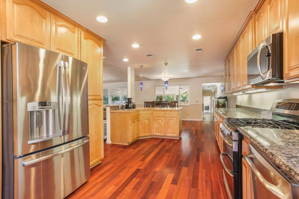 heatherdale kitchen2.jpg