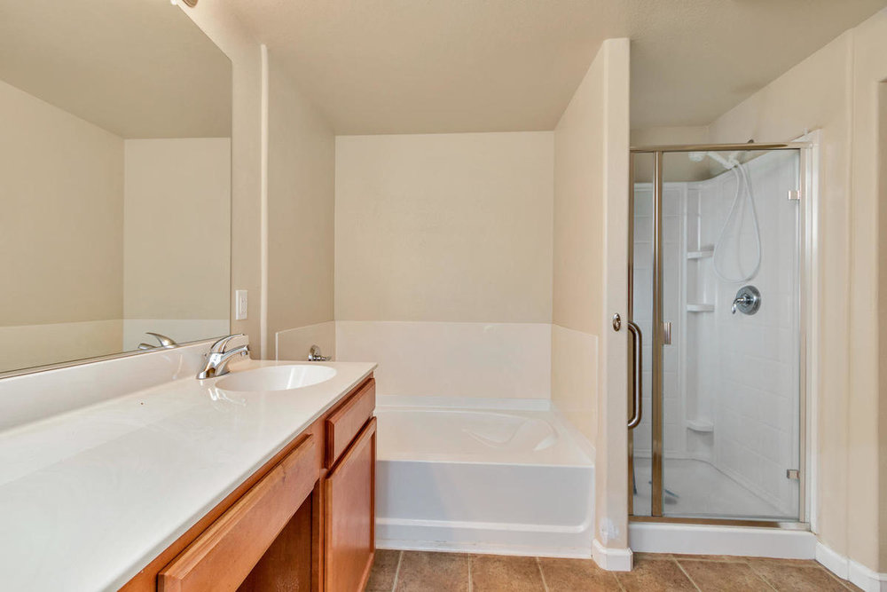 1387 Milano Dr 5 West-MLS_Size-014-25-Master Bathroom-1200x800-72dpi.jpg
