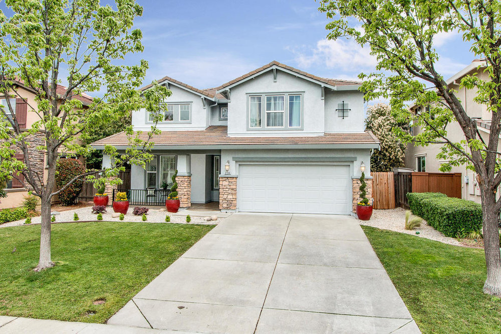 2198 Goodstone Way Roseville-MLS_Size-002-3-Frnt Elevation-1200x800-72dpi.jpg